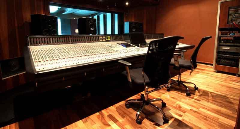 Studi di registrazione a roma tutta un 39 altra musica - Studio di registrazione in casa ...